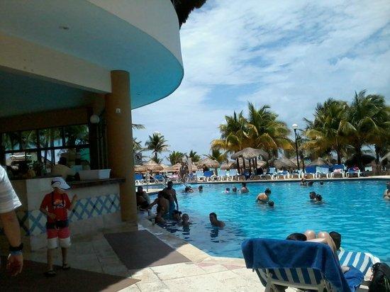 Viva Wyndham Maya: piscina