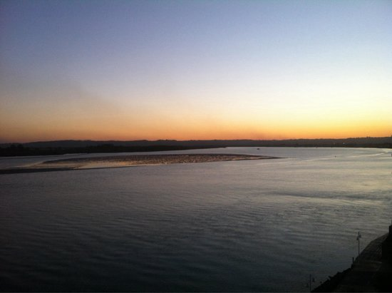 Ramada Hotel & Suites Ballina Byron: Sunset from spa room river view room 607
