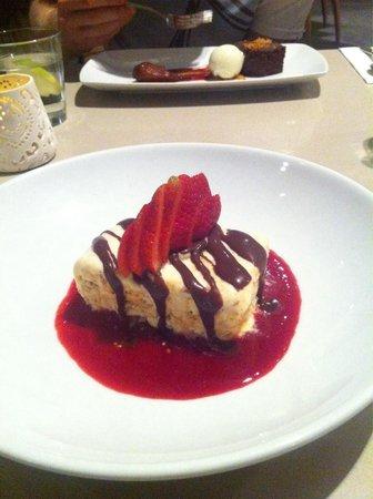 Ramada Hotel & Suites Ballina Byron: Delicious big portion of semifreddo. Choc mousse cake in background.