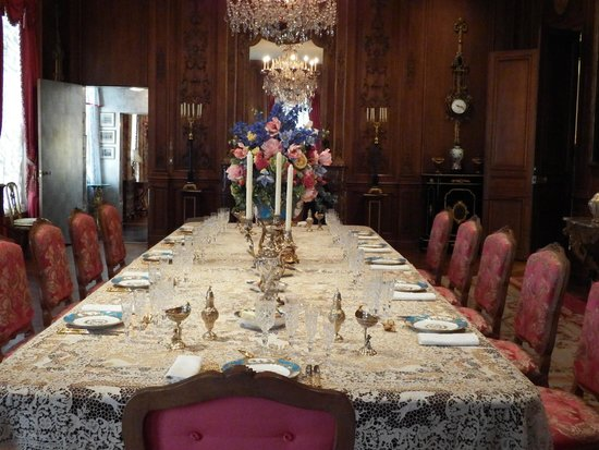 Hillwood Museum & Gardens: Dinner set with Sevre