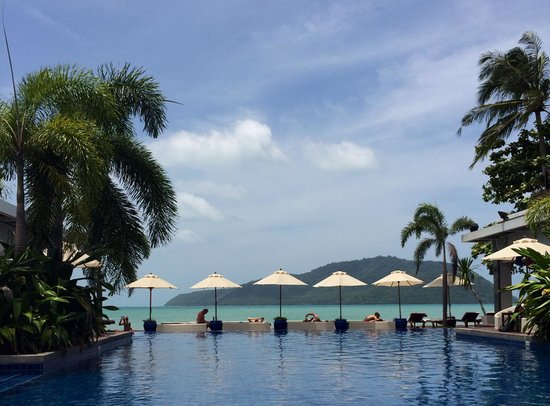 Serenity Resort & Residences Phuket : View from the pool