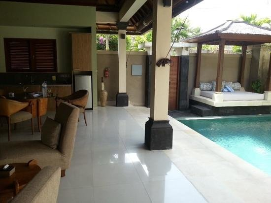 Disini Luxury Spa Villas : lovely outside area