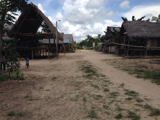 Llaquipallay Lodge and Expeditions : Local village