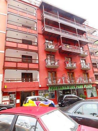 Aparthotel Tropical: Der Eingang zum Hotel Tropical befindet sich im Hotel Park Plaza