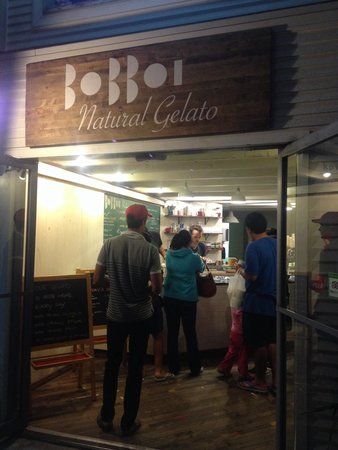 Bobboi Natural Gelato: From Entrance, yes it's that small