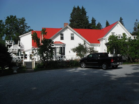 Tara Manor Inn