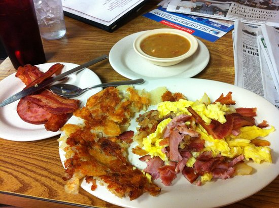 Photo of American Restaurant Breakfast Queen II at 3454 S Broadway, Englewood, CO 80113, United States