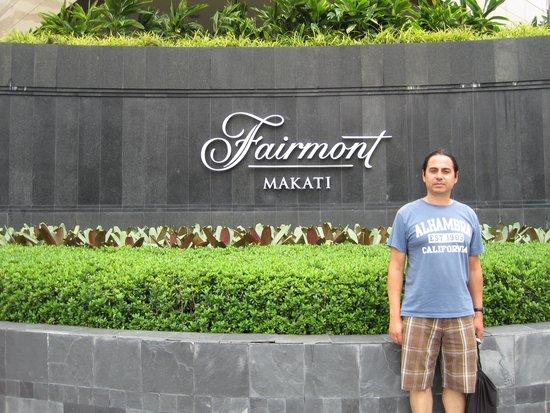 Fairmont Makati: Street corner JUL2014
