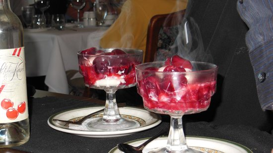 Old Surrey Restaurant: Cherries Jubilee
