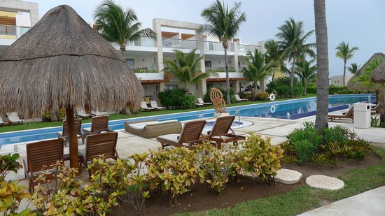 Excellence Playa Mujeres: Grounds.
