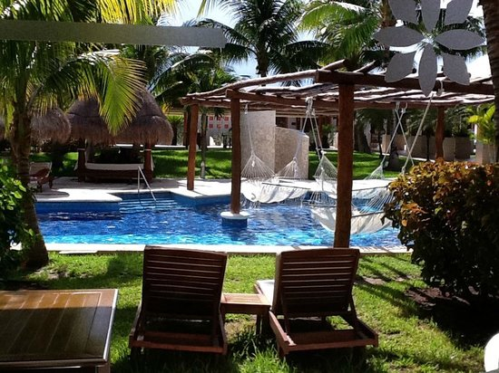 Excellence Playa Mujeres: Terrace view, swim-up room.
