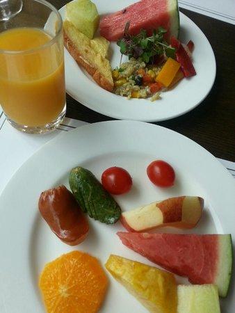Prince Hotel Seoul: My Colourful Breakfast