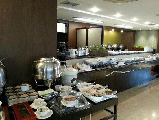 Prince Hotel Seoul: Breakfast buffet