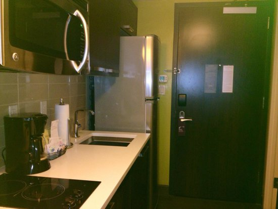 Residence Inn New York Manhattan/Midtown East: Fully equipped kitchen