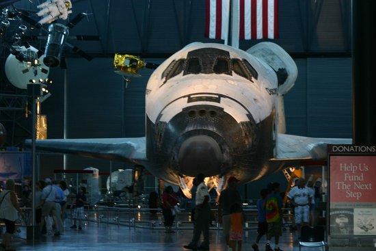 Museo Nacional del Aire y el Espacio: Space Shuttle Discovery