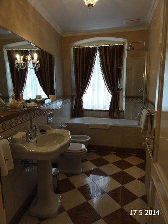 Alchymist Nosticova Palace : Bathroom