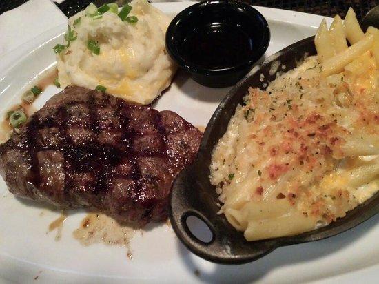 TGI Friday's: Jack Daniels steak with Mac n cheese