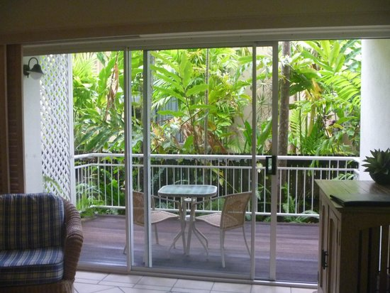 Macrossan House Boutique Holiday apartments : Garden view balcony.