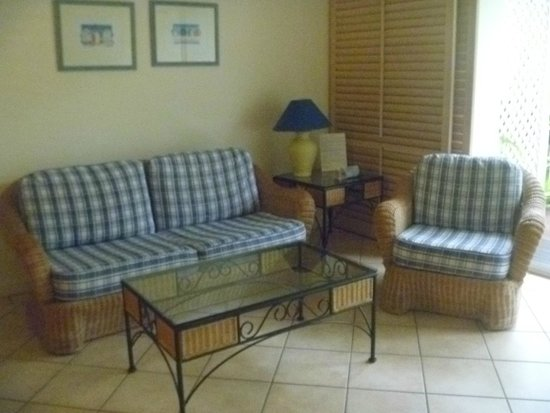 Macrossan House Boutique Holiday apartments : Our little lounge area.