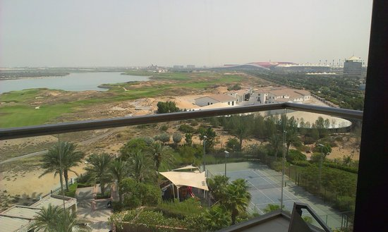 Park Inn by Radisson Abu Dhabi Yas Island: Another view of balcony