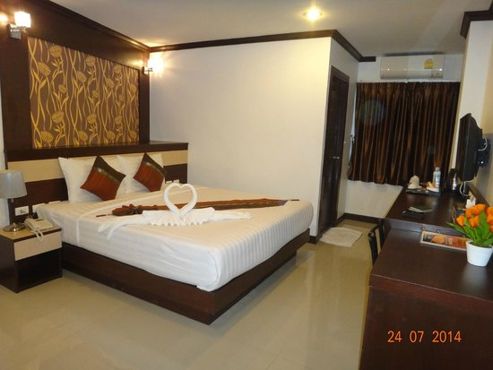 Patong Mansion Hotel : The room