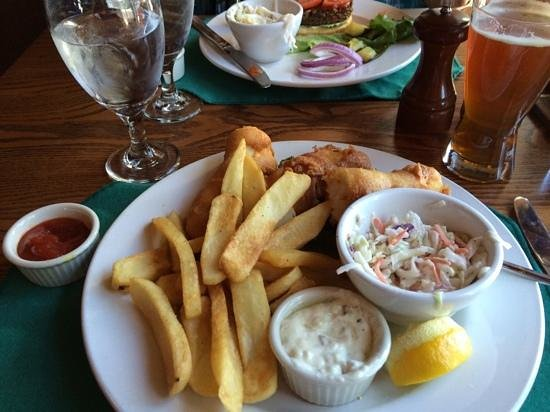 Crater Lake Lodge Dining Room: Cod fish & chips