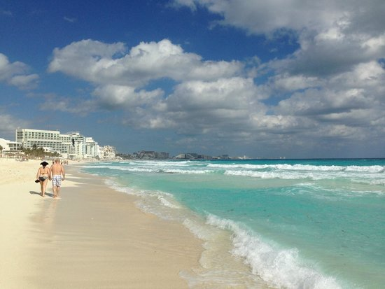 Club Med Cancun Yucatan: Пляж