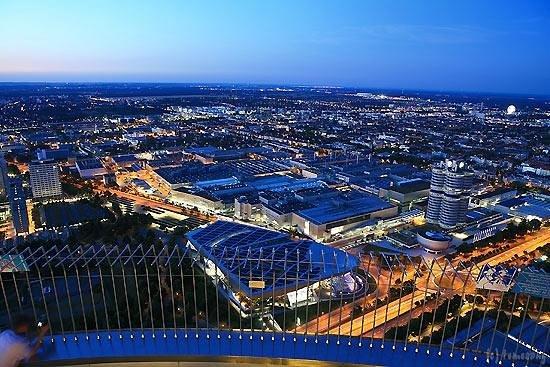 Olympiaturm: オリンピックタワーからの夜景