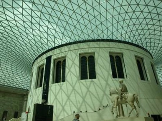 British Museum : Great Court, the largest covered courtyard in Europe