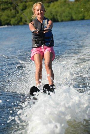 Club Med Cancun Yucatan: Водные лыжи