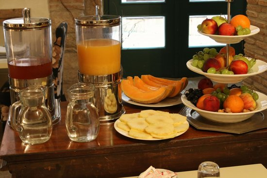 Villa Valdibora: breakfast