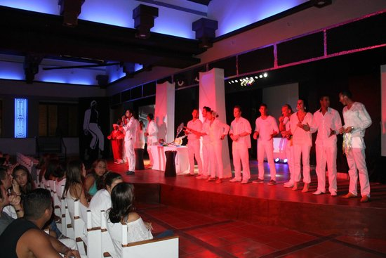 Club Med Cancun Yucatan: Отличная команда GO