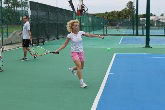 Club Med Cancun Yucatan: Школа тенниса