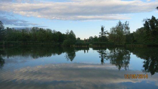 Spirit Hotel Thermal Spa: Around the lake