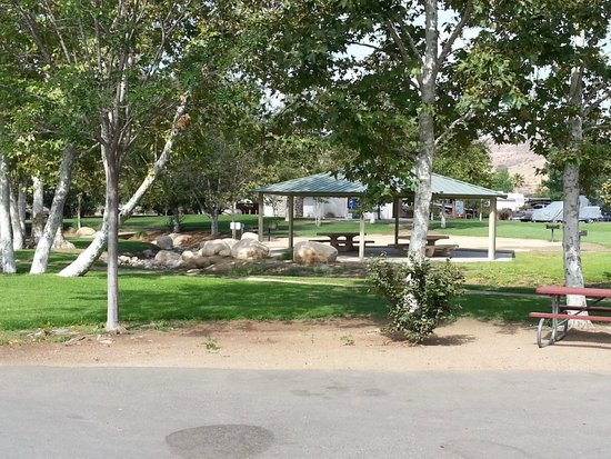 Santee Lakes Recreation Preserve: Party gazeba - was used once the week we were there.