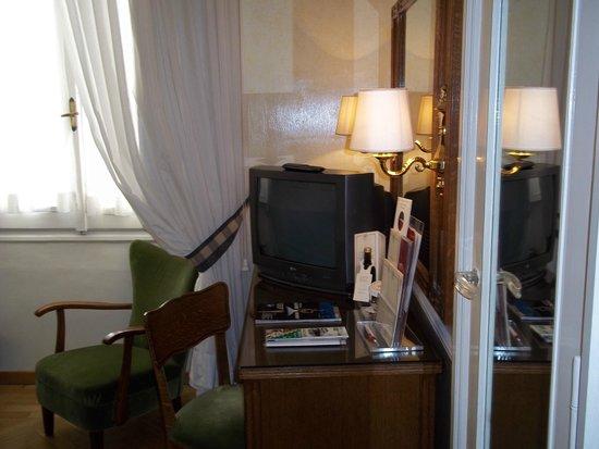 Bettoja Hotel Massimo D'Azeglio: Room 2