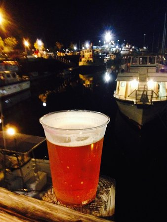 Portland Lobster Co: A pint and a view