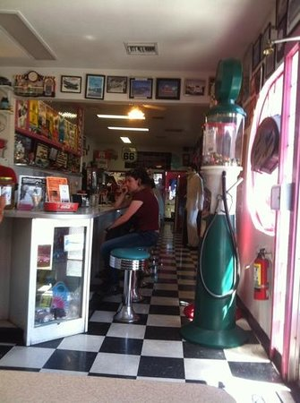 Mr. D'z Route 66 Diner: Happy Days!