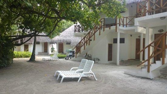Fihalhohi Island Resort: cottages