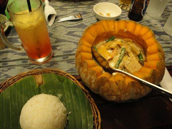 Pinoy Fiesta Ihaw Ihaw: Main course (seafood inside a pumpkin)