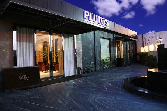 Hotel Pluto's : entrance