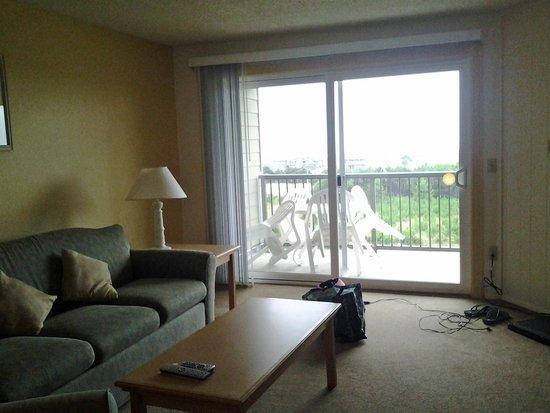 The Surfside Inn: Living area