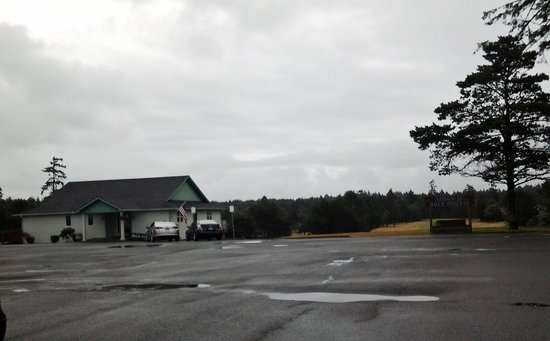 The Surfside Inn: Some days at the ocean - rain in the parking lot