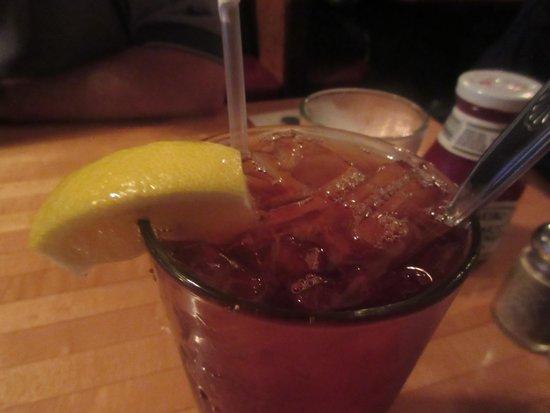Ketch Joanne Restaurant & Bar : Nice Ice Tea - Ketch Joanne Restaurant and Bar, Half Moon Bay, Ca