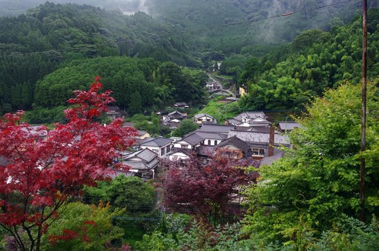 Imari Okawachiyama: View over Okawachiyama from above the Okyoishi Kiln ruins.