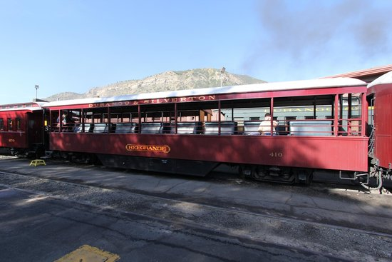 Durango and Silverton Narrow Gauge Railroad and Museum : Deluxe open air car