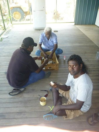 Groote Eylandt Lodge : Barramundi finger food from a cardboard platter