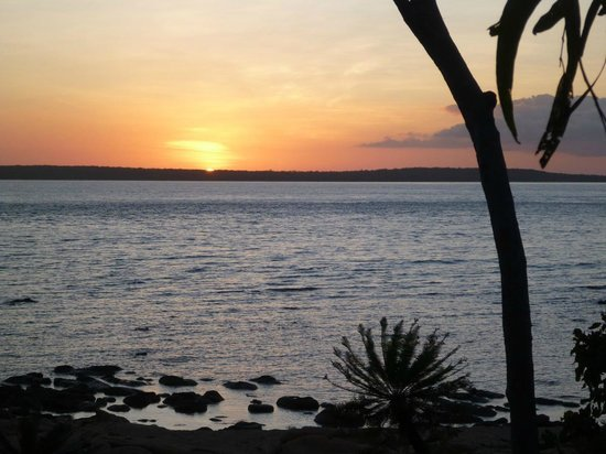 Groote Eylandt Lodge : Sunset over Bickerton Island from the Observation Deck