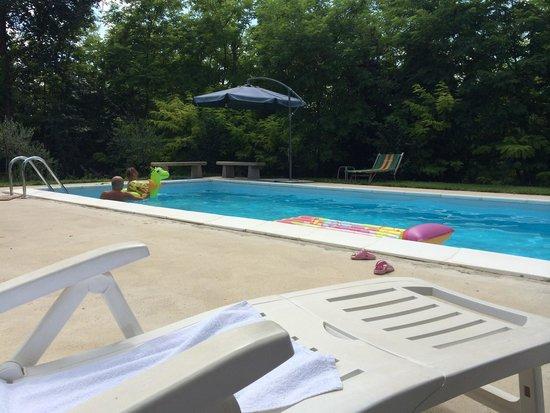 Il Leone Rosso B&B : Relax in piscina
