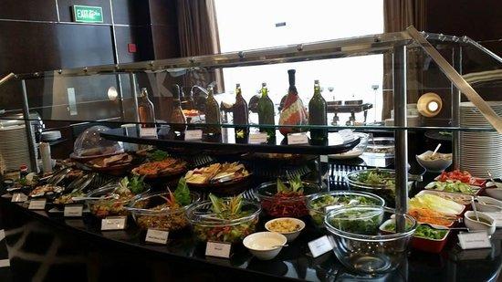 Holiday Downtown: Salad Bar